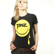 Tanz Smiley Girl Shirt (Black)