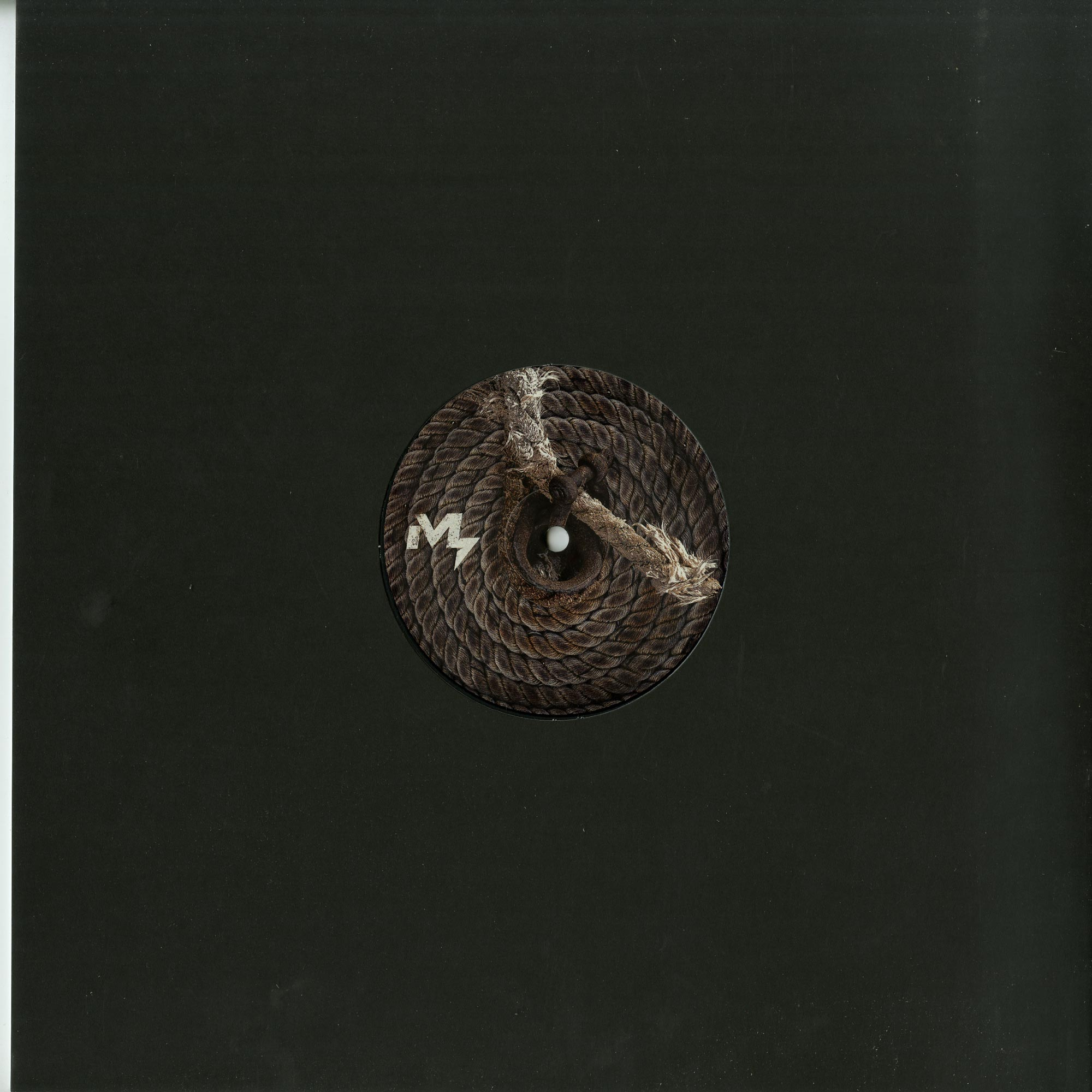 Iuly.B - INVASION EP